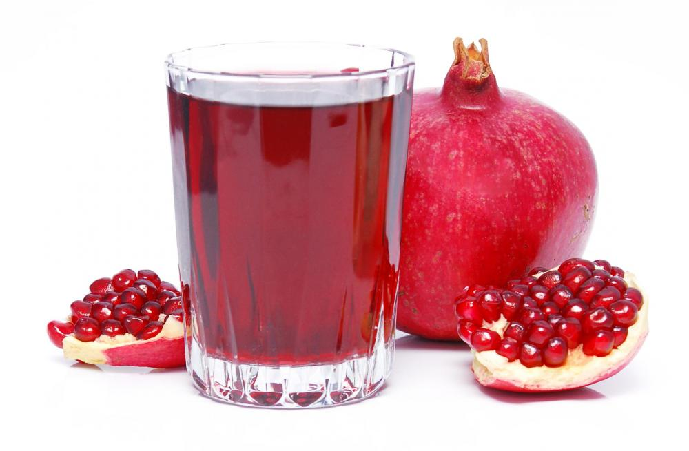 glass-of-pomegranate-juice-food