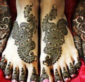 Most Recent Well liked Bridal Mehndi Styles 2014-2015(5)