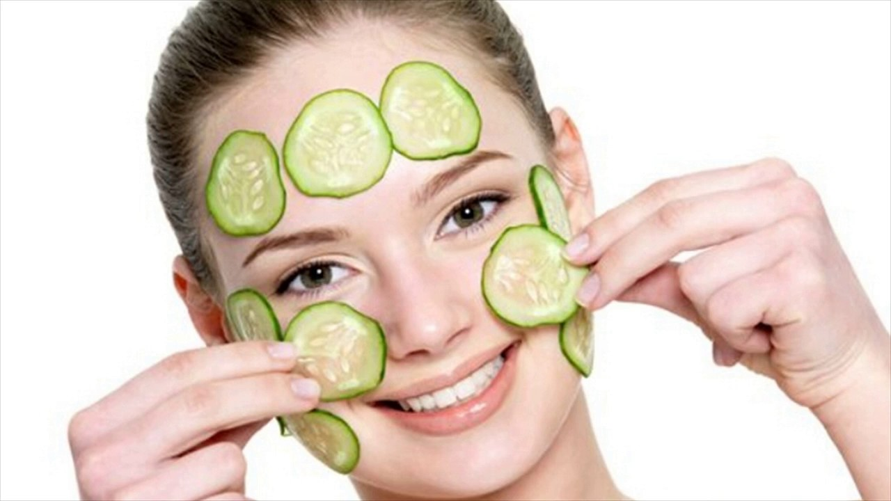 Place cucumber slices on your eyelids to reduce puffiness